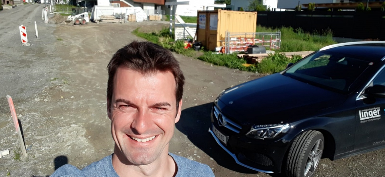Bald kann's losgehen: Bauverhandlung bei der Familie Linger